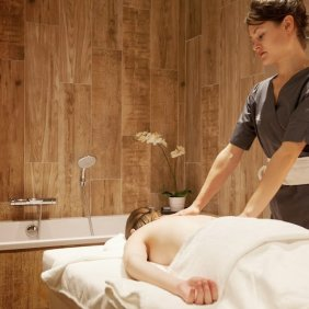 Hotel_Royal_Ours_Blanc_spa