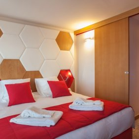 Hotel_Royal_Ours_Blanc
