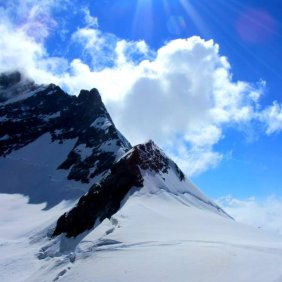 Jungfraujoch_mountain_sun