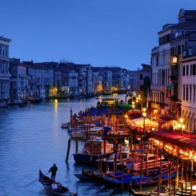 venice-gondola-romantic-wallpaper-4